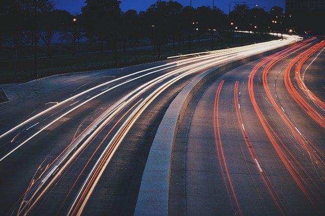 חברות הסעות בהרצליה – פרמטרים לבחירה נכונה