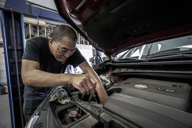 איך לבחור שמן מנוע לרכב
